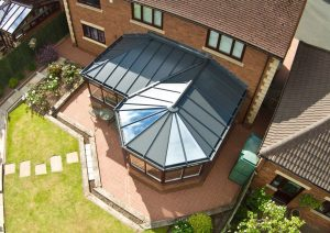 P-shaped conservatory with Livin roof